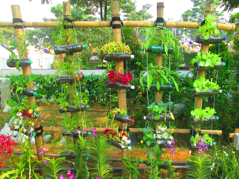 10 Creative garden ideas and landscape tips - Acegardener